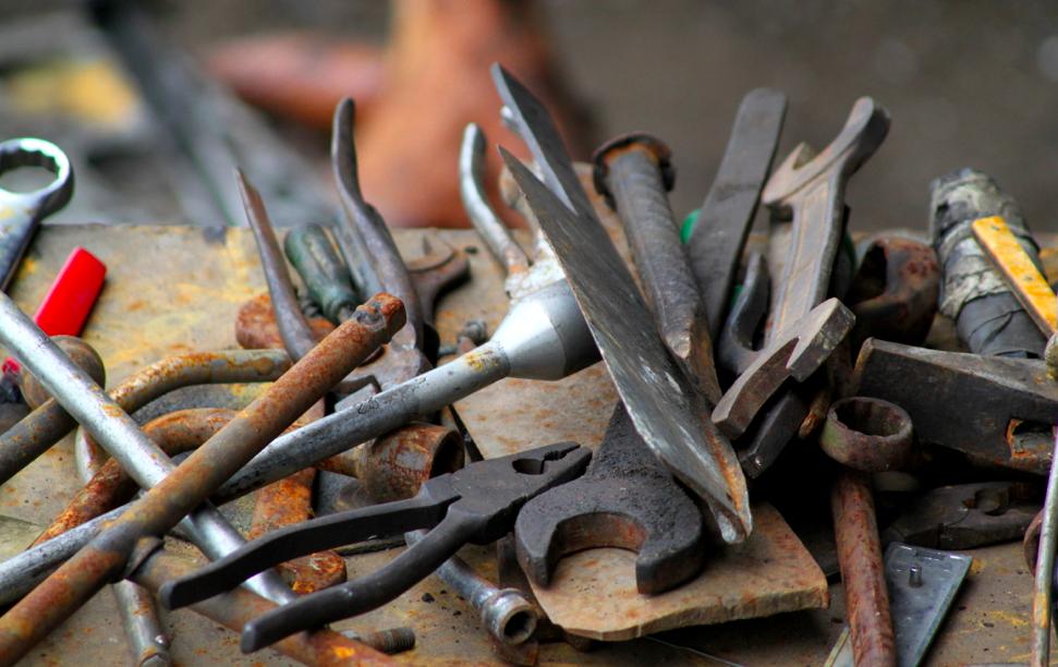Værktøj til montering af brændeovn